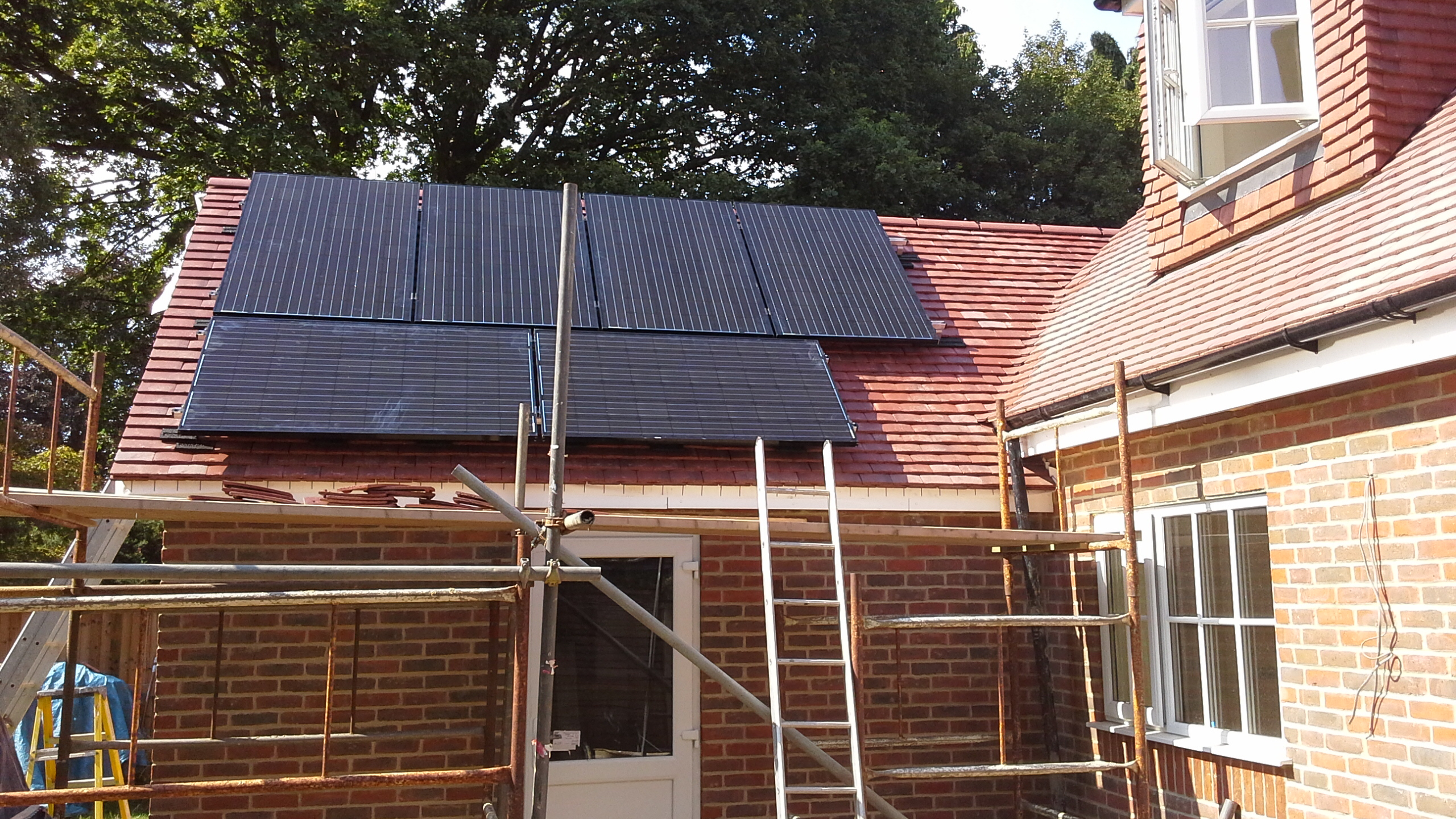 Lg Monox Black Solar Pv Panel Solar Roof Installations