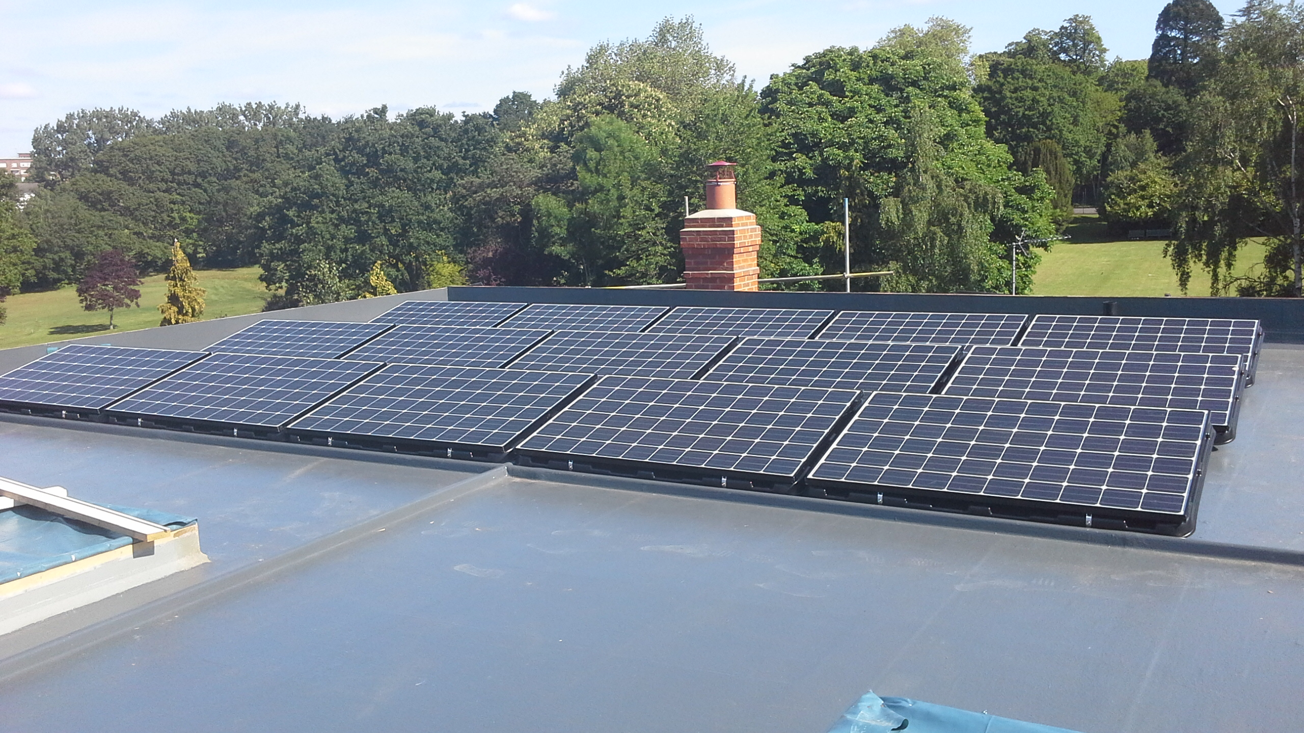 Solar Panels On Small Flat Roofs Solar Roof Installations